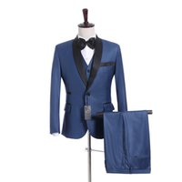 ingrosso cravatta di maglia blu satinata-Brand new groomsmen blu dello sposo smoking scialle in raso con risvolto uomo abiti side ventilati matrimonio / promenade Best Man giacca (giacca + pantaloni + vest + cravatta) K934