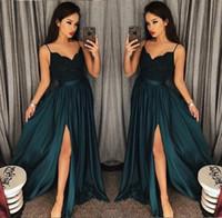 marineblaues arabisches kleid großhandel-Navy Blue Slit Mermaid Prom Kleider 2018 V-Ausschnitt Langarm Spitze Perlen Sweep Zug Arabisch Abendkleider