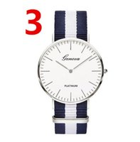 kuvars saat online toptan satış-Moda 2019 Kuvars Saatler Erkekler Kadınlar 40mm Marka Tasarımcı Casual Naylon Tuval Bant Elbise İzle Kadın Kol Saati Online Satış