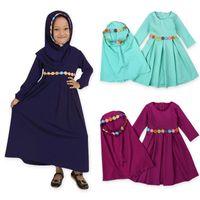 i̇slam elbiseleri modası toptan satış-İki takım Geleneksel Çiçek Çocuk giyim Moda Çocuk Abaya Müslüman Kız elbise jilbab ve abaya İslam Çocuk başörtüsü elbiseler