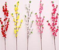 ingrosso peschi artificiali-65 cm 160 pz Artificiale Cherry Spring Plum Peach Blossom Branch Albero Del Fiore di Seta Per Decorazione della Festa Nuziale bianco rosso giallo rosa 5 colori
