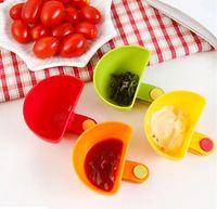 sabor de tomate al por mayor-2018 ventas calientes Dip Clips Cocina Tazón kit Herramienta Platos Pequeños Clip de la especia para la salsa de tomate Vinagre de sal Especias de sabor de azúcar
