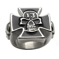 meninos anel preço venda por atacado-Moda Rock Big Black Anel Crânio Cruz de Ferro Anel Para O Punk Gótico Men Boy Pesado Fresco Design de Jóias Promoção Preço Barato