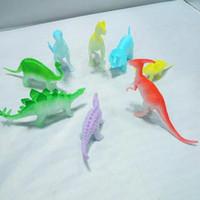 çocuklar gece için oyuncak toptan satış-2018 Yeni Oyuncaklar Çocuklar için Yenilik Tasarım 8 adet / takım Gece Işık Noctilucent Dinozor Şekil Hediye Oyuncak Çocuklar Çocuklar için