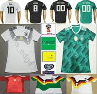 2018 Copa del Mundo Nacional Alemania Fútbol Jersey Muller Gotze Reus Kroos  Draxler Neuer Ozil Boateng Personalización Negro Blanco Verde Fútbol  Camiseta aefe5524d354f