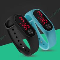 rote kinderuhr großhandel-2019 Mode Outdoor Einfache Sport Rote LED Digital Armbanduhr Männer Frauen Bunte Silikon Uhren Kinder Kinder Armbanduhr Geschenk
