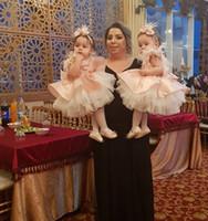 büyük çiçek balo elbiseleri toptan satış-Güzel Çiçek Kız Elbise Tüy Katmanlı Balo Çocuk Balo Elbise Pembe Büyük Yay Ile İlk Communion Geri