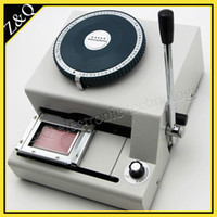 venta de i3 al por mayor-Manual de pvc tarjeta de prensa máquina 68 caracteres plástico pvc tarjeta embosser