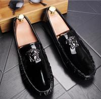 Wholesale shoes for groom - Luxury Brand designer Men glitter comfortable medusa shoes Man's Formal Dress Shoes For Groom Homecoming Wedding gift dh2n66