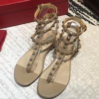 ingrosso rivetti di cristallo di moda-2018 New Fashion Summer Women sandali tacco alto Sandali piatti Bow Rivet Fashion Crystal Beach Shoes