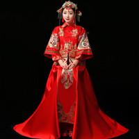 rote chinesische kleidung großhandel-Braut Cheongsam Vintage chinesischen Stil Hochzeit Kleid Retro Toast Kleidung Dame Stickerei Phoenix Kleid Ehe Qipao rote Kleidung