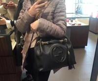leder ketten schmuck großhandel-2018NEW Top HOT! Klassische Tasche mit Kette aus Kalbsleder in der Hand getragen Gealterter Gold-Ton Metallschmuck mit Staubbeutel # G88G6
