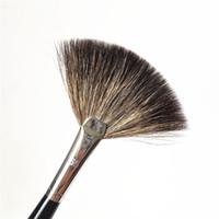 Wholesale pro perfect - PRO Fan Brush #65 - Perfect Powder Bronzer illuminator Finish Sweep Brushes - Beauty Makeup Blender Tool