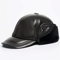 şapka kapağı erkek deri toptan satış-Rus Süper Sıcak Kış Bere Şapka Erkekler Hakiki Deri Casquette Cap Erkek Kahverengi Siyah 100% Koyun Kulak Bileği Furry Bombacı Şapka
