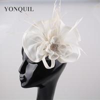 ingrosso accessori per capelli nozze-Imitazione Sinamay Fascinator cappello donna piuma fiore beige signore accessorie capelli festa nuziale fascia floreale per il Kentucky