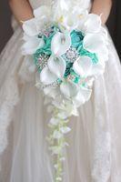 ingrosso bouquet bianco verde nuziale-2018 High-end Custom White Calla Lilies Menta Green Rose Ortensia fai-da-te Crystal Pearl Spilla goccia Bouquet da sposa