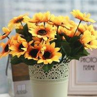 ramos amarillos al por mayor-Flor de la boda de alta calidad 1 ramo de seda de girasol decorativo decorativo 7 ramas / ramo de flores artificiales decoraciones para el hogar