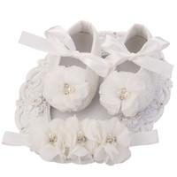 baptism babies shoes großhandel-Elfenbein Neugeborenen Booties Baby Mädchen Schuhe Kleinkind; Kleinkinder Mädchen Strass First Walker Baby Schuhe Ballerina; Baby Taufe Set