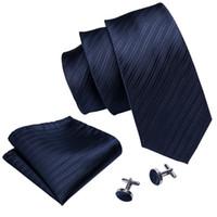 ingrosso fazzoletto blu navy-Blu navy seta jacquard cravatte per gli uomini con fazzoletto e polsini affari nozze hot nuova quotazione trasporto libero all'ingrosso N-5087