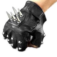 guantes de remache de cuero al por mayor-Club nocturno Cantante masculino DJ Hip-hop Hombre Medio dedo Guantes de hombre Guante de cuero Atmosférico Rivet Black Punk Rivet Gloves