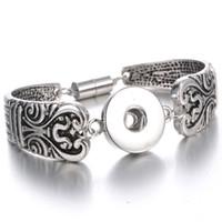 cierre magnético de plata antigua al por mayor-Moda Noosa Chunks 18mm Snap Button pulsera joyería europea antigua plata grabados diseños encantos pulsera magnética broche Mix