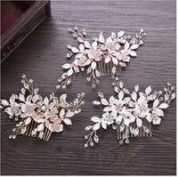Wholesale New Trendy Ornaments - 2018 new leaves comb. International station hot hand flower bride head ornaments. The bride's jewelry wholesale.