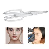 plantillas de formas de ceja al por mayor-Microblading regla de la ceja para el maquillaje permanente tatuaje plantillas de equilibrio regla herramienta de conformación de la ceja accesorios de tatuaje temporal suministros