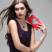 sac de soirée embrayage rouge perle achat en gros de-Mode d'été nouvelle perle coeur rouge acrylique Mme sacs de soirée sacs d'embrayage de mariage petit paquet carré