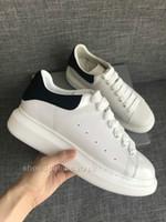 zapatos de vestir de diseño para hombres al por mayor-Hombres Mujeres Plataforma Ocio diseñador de zapatos zapatillas de deporte de lujo del cuero genuino de vestir amantes de los zapatos de los zapatos ocasionales de diseño Trainer