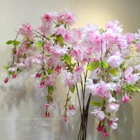 künstliche kirschblüten reben großhandel-Künstliche Blumen Rebe Kirschblüten Blume Rebe Hängen für Hochzeit Dekoration DIY Party Hausgarten Weihnachtsdekor
