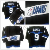 schwarze falken trikots großhandel-Mächtige Enten Jersey Hawks # 9 Adam Banks Jersey Mens 100% genähte Stickerei Logos Hockey Jerseys schwarze Farbe Freies Verschiffen