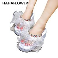 plataformas de diamante perla al por mayor-Venta al por mayor plataforma de cuña de verano europeo Zapatos de Mujer de Encaje de Cristal Princesa Diamante Perla Señoras Zapatillas de interior para el hogar