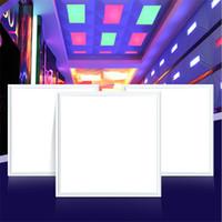 techo suspendido luces led al por mayor-Nuevas luces de panel RGB LED 18W 36W 60W LED paneles de techo 600x600mm 300x1200 300x300 2x4ft empotrados suspendiendo la lámpara de iluminación con control remoto IR