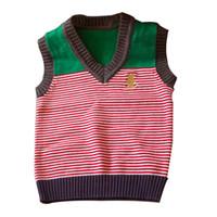suéter de jersey de cuello v al por mayor-Primavera otoño chaleco suéter de los niños suaves del bebé del niño niños niñas suéter de punto con cuello en v de color de la raya bordado oso suéteres