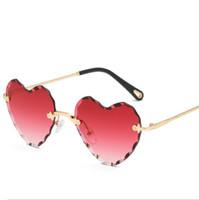 herz gläser rahmen großhandel-Neue Liebe Herzform Sonnenbrille Frauen 2018 Randlose Rahmen Farbton Klare Linse Bunte Sonnenbrille Rot Rosa Gelb Shades