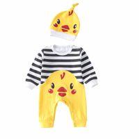 küçük çocuklar kostümleri toptan satış-Bahar Sonbahar Rahat Bebek Çocuk Giyim Setleri Pamuk Yumuşak Güzel Küçük Tavuk Çizgili Oğlan Kız Tulum + Kap 2 Adet Bebek Kostüm