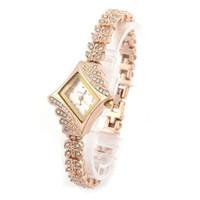 ingrosso orologi da polso degli orologi delle donne-Le donne di modo di marca guarda il braccialetto di cristallo del quarzo del rombo del quarzo di cristallo delle signore di lusso dell'orologio del braccialetto