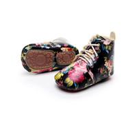 новый стиль мальчиков обувь оптовых-Новое прибытие мальчиков девочек обувь жесткий подошва новый цветочный стиль зашнуровать искусственная кожа детские мокасины обувь первые ходунки