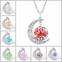 Wholesale Mother Pearl Flower Necklaces - Dry Flower Time Gemstone Totem Chokers 4*3.5cm Hollow Moon Pendants Designer Necklaces Mothers Day Gifts