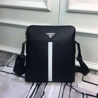 cross body handbags homens couro venda por atacado-Homens designer bolsa de ombro bolsa de marca bolsa de luxo bolsa de couro de alta qualidade 1: 1 Cross Body bag