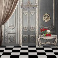 fondos impresos por ordenador al por mayor-Vintage Gray Wall Crystal Chandelier Interior Fotografía de la boda Telón de fondo Impreso por ordenador Cortina Rosas rojas Libros Photo Studio Backgrounds