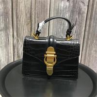 Wholesale womens luxury fashion purses online - Designer Bag Stote Shoulder Bags Famose Brand Womens Bag Luxury Leather Handbags Ladies Clutch Purse Genuine Leather chain upscale wallets