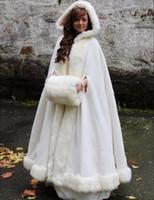 poncho de pele branca venda por atacado-Branco / marfim nupcial capas de casamento do cabo com capuz com pele do falso guarnição inverno adulto quente para o inverno nupcial Wraps / capas / poncho
