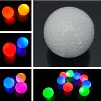 bola de la noche que brilla intensamente al por mayor-1 unid Light-up Color parpadeante LED brillante pelota de golf electrónica para la noche de Golf regalo envío de la gota
