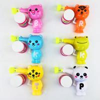 burbujas de plástico agua al por mayor-Populares al aire libre Juguetes para niños Jabón Blow Animal Bubble Gun Niño de dibujos animados Modelo Juguetes de plástico Regalo del bebé Colorido Pistola de agua