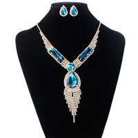 conjuntos de collar de moda para las mujeres al por mayor-Crystal Diamond Tassel Necklace Earrings Sets Gold Necklace for Women Fashion Wedding Jewelry Sets de regalo