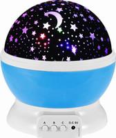 habitación de luz de luna al por mayor-Star Night Light Rotating Proyector interior Lámpara Galaxy Moon Space Twilight C eiling Iluminación para habitación de niños, 4 colores LED, regalo para niños