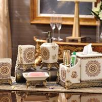 acessórios de banho de luxo set venda por atacado-Moda Feitas À Mão Conjuntos de Casa de Banho De Luxo Cerâmica Soap Bottle Dish Escova de Dentes Titular Copo Terno Clássico Para Casa de Banho Conjuntos de Acessórios 115fy BB