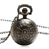 bola de reloj de cuarzo al por mayor-Moda Bronce Cobre Araña Diseño Web Tamaño pequeño Forma de bola Reloj de bolsillo de cuarzo Mujeres Hombres Collar Regalos de Navidad Chica