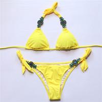 ingrosso bikini giallo del merletto-Allacciatura a vita bassa Costume da bagno giallo 2018 Bikini sexy Bikini con fondo in cristallo Set costumi da bagno Costumi da balza arricciati Sport acquatici Abbigliamento sportivo